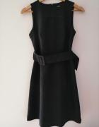 Czarna elegancka sukienka WareHouse 36 S...