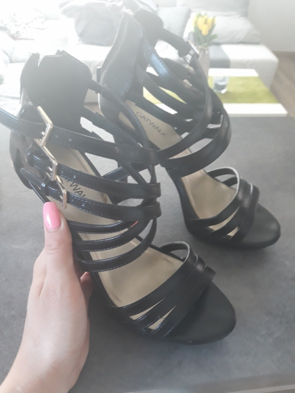 Czarne sandały 38 wysokie platforma