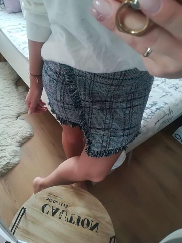 Nowa asymetryczna spodniczka Pull&Bear rozm S