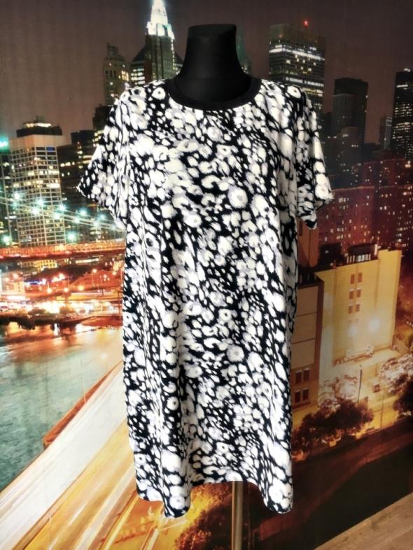f&f sukienka modny wyszczuplający wzór hit 46