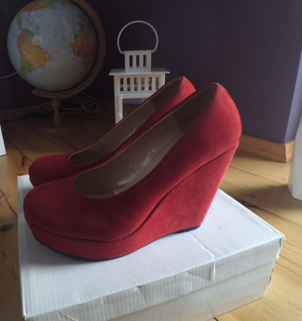 Czerwone klasyczne koturny 39 koi couture...