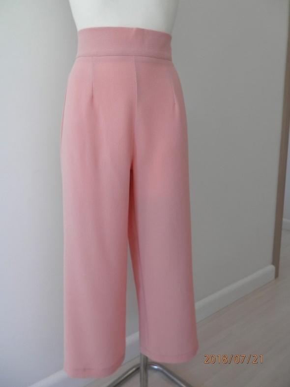 Spodnie Pudrowe Kuloty Culotte Szerokie Nogawki Wysoki Stan by UK 38