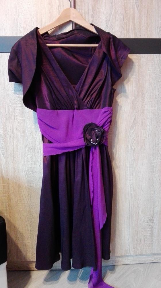 Fioletowa suknia wieczorowa