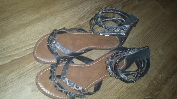 Sandały Sandały typu japonki Deichmann rozmiar 39