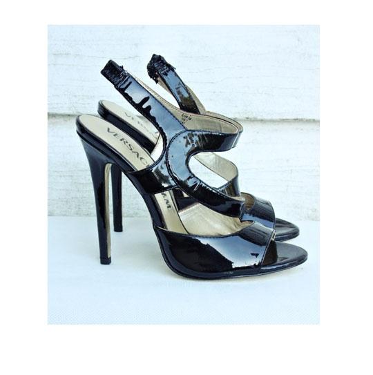 Czarne szpilki Versace for H&M...