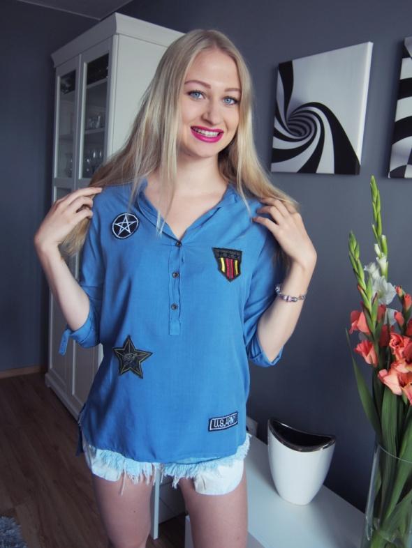 Niebieska koszula z naszywkami Nowa...