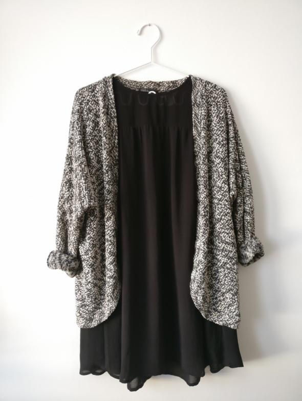 Narzutka sweter House boucle minimalizm XS S