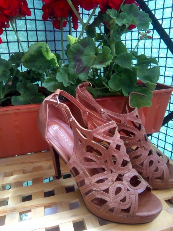 Piekne sandałki