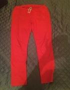 czerwone spodnie dresowe ZARA