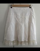 Biała letnia spódnica