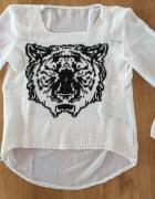 Biala bluzeczka z tygrysem...