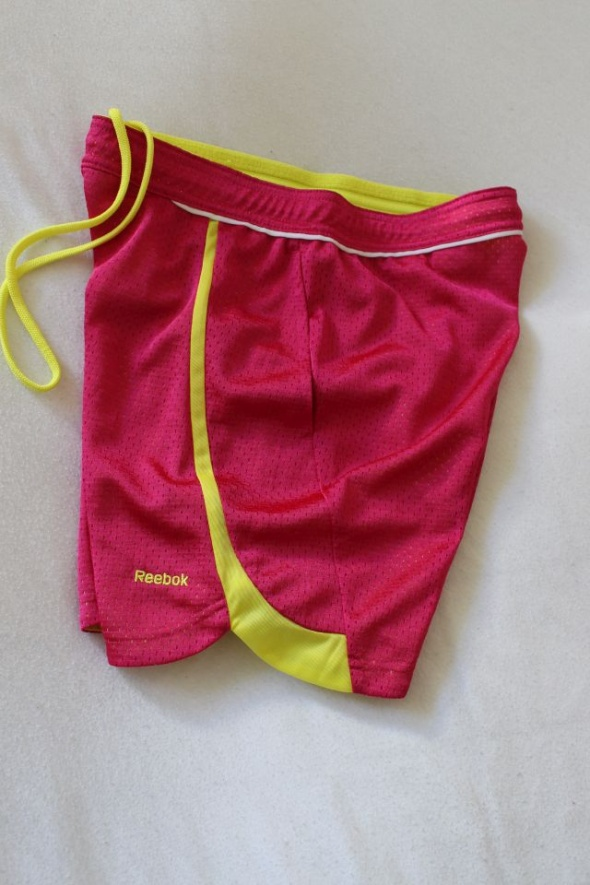 Spodenki różowe spodenki sportowe reebok xs