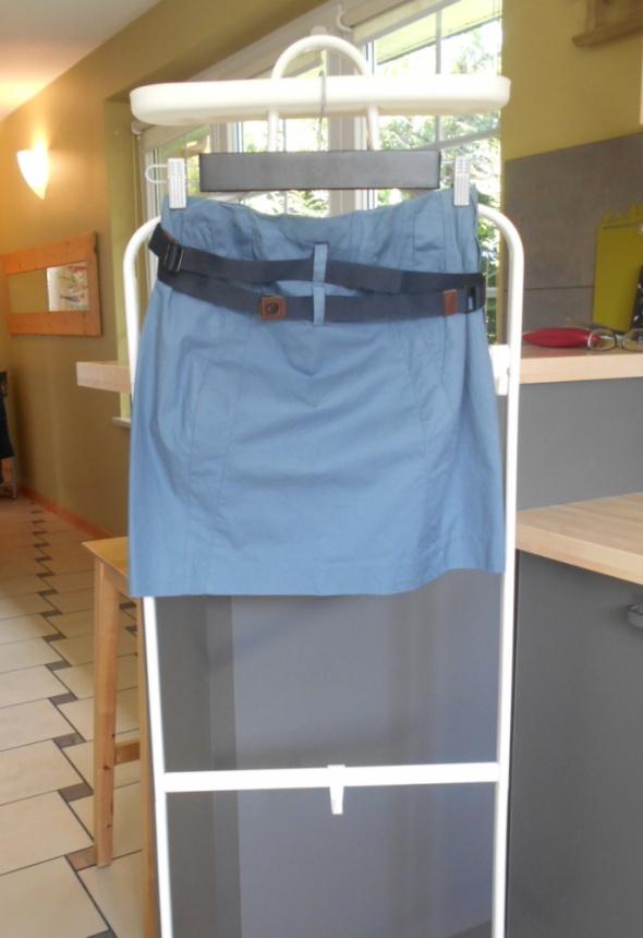 Carry spódniczka mini niebieska asymetryczna pasek...