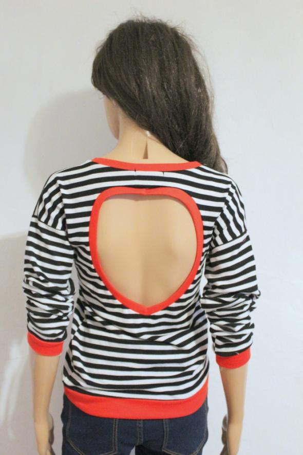 Bluzka w paski z wycięciem na plecach r S...