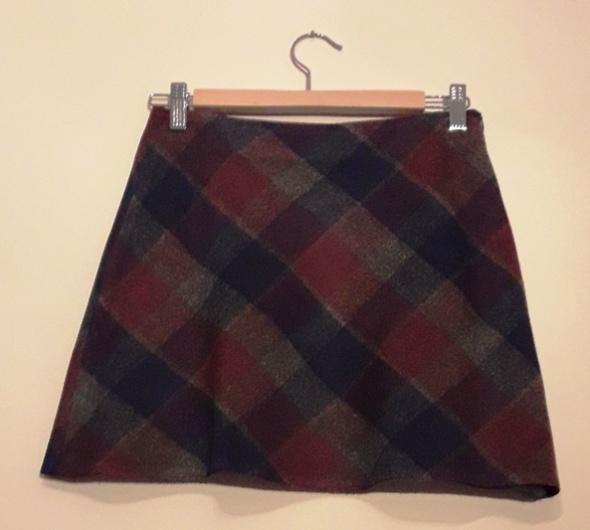 Krótka spódnica w kratkę ciepła jesienna zimowa