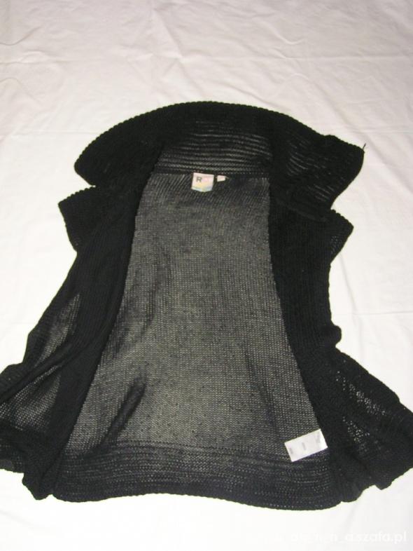 Piękna czarna sweterkowa narzutka marki ROXY
