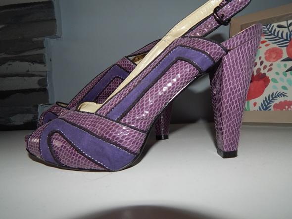 Szpilki eleganckie sandałki fioletowe 39