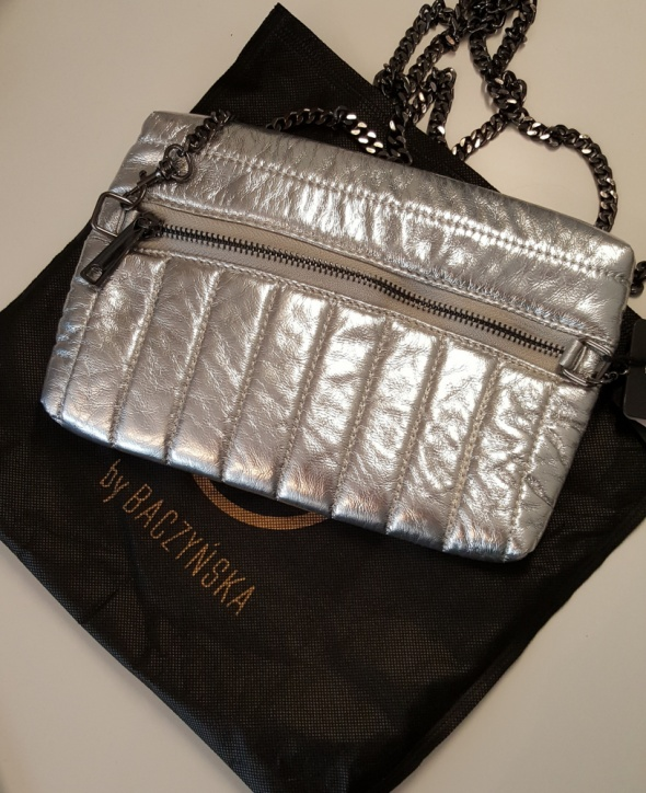 pikowana srebrna kopertówka by Baczyńska...