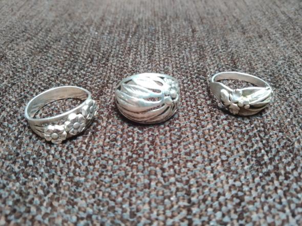 Zestaw trzy pierścionki stare Warmet pierścionek