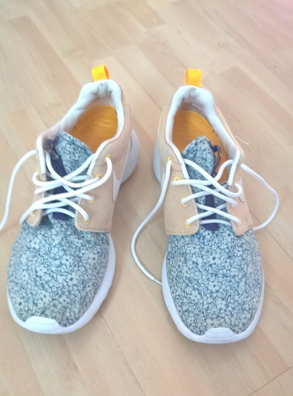 Sportowe Nike Roshe Run Libert London 385 limited edition