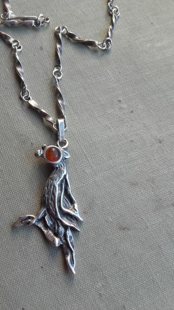 Stary srebrny naszyjnik łańcuch z ptakiem duzy