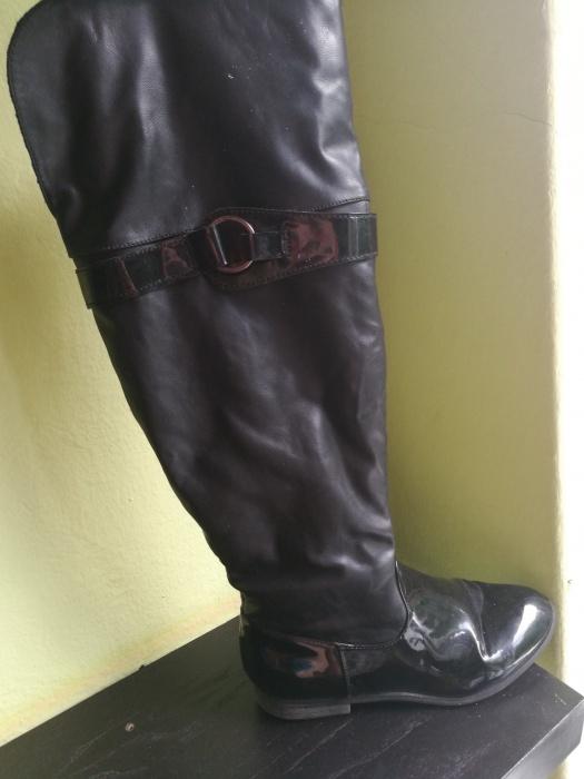 Czarne Kozaki rozmiar 39