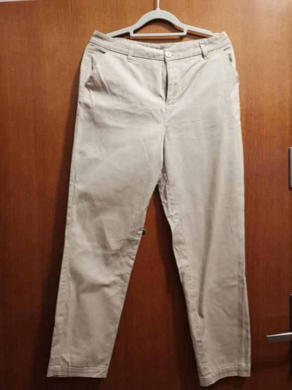 Materiałowe spodnie beżowe Asos Rozmiar S...