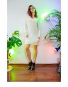 Śliczny ciepły biały sweter sukienka zestaw z butami...