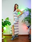 Maxi sukienka plażowa w marynarskim stylu...