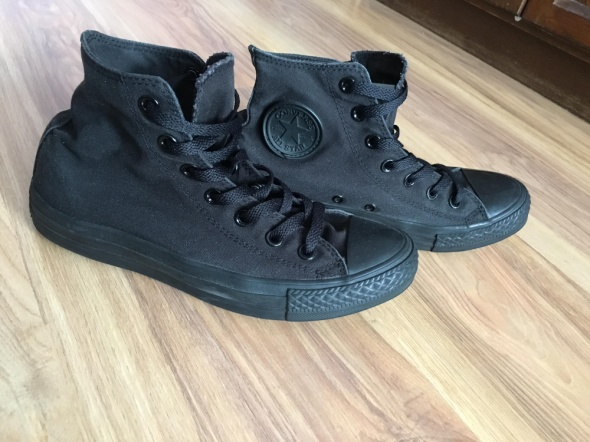 Czarne Converse 39
