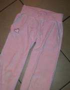 spodnie dresowe różowe 128