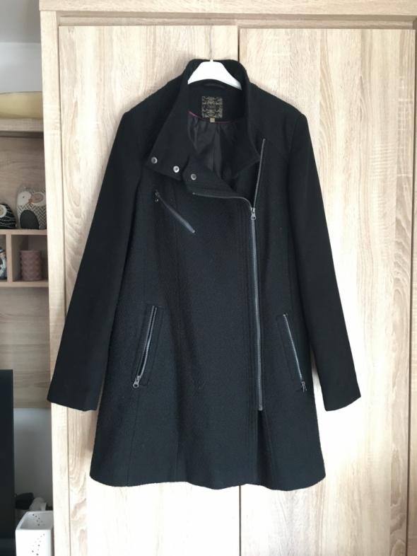 Czarny płaszcz next elegancki
