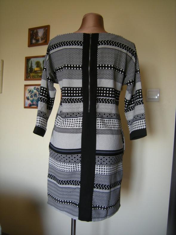 Elegancka sukienka Ichi 38...