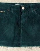 spódniczka mini zielona z ćwiekami stradivarius