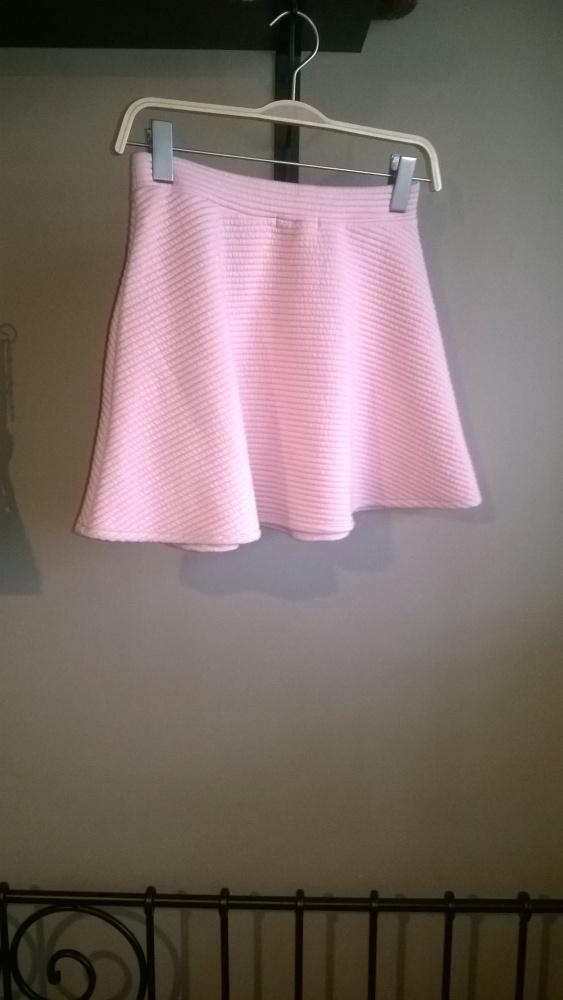 Spódnice Rozkloszowana pudrowa spódnica sinsay xs nowa