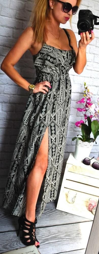 dluga sukienka czarno biala wyciecie zip...