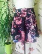 rozkloszowana spódniczka kwiaty