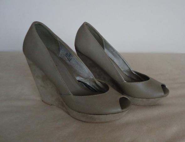 koturny platformy open toe H&M 38