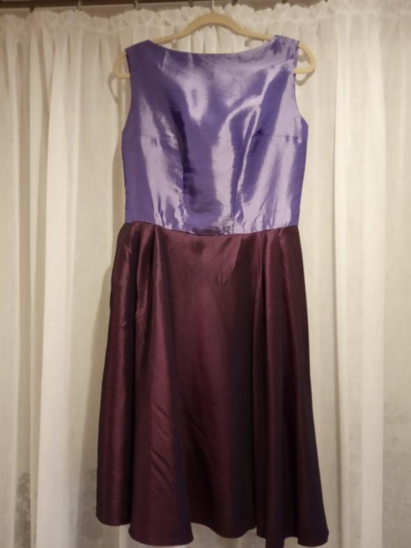e76a65470b Sukienka fioletowa rozkloszowana w Suknie i sukienki - Szafa.pl