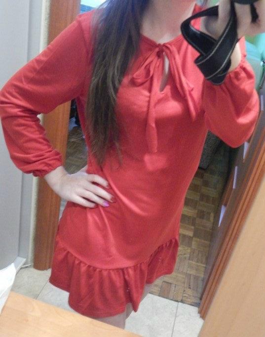 Czerwona sukienka hiszpanka z falbanką