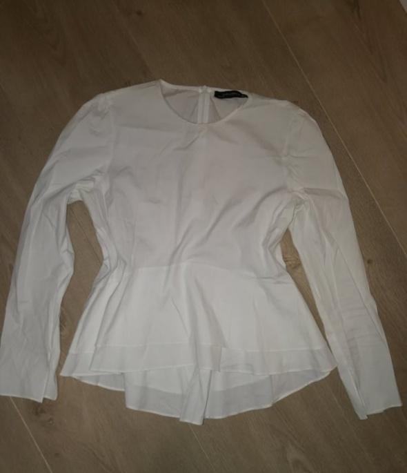biała bluzka ZARA z falbanką