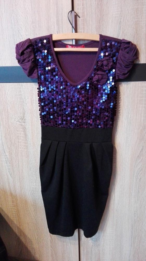 Fioletowa sukienka z cekinami