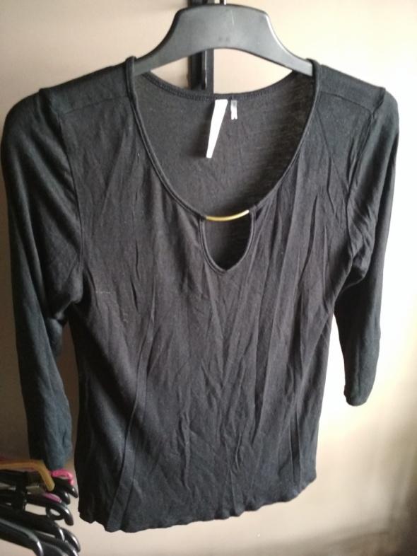 Czarna bluzka S z dekoltem