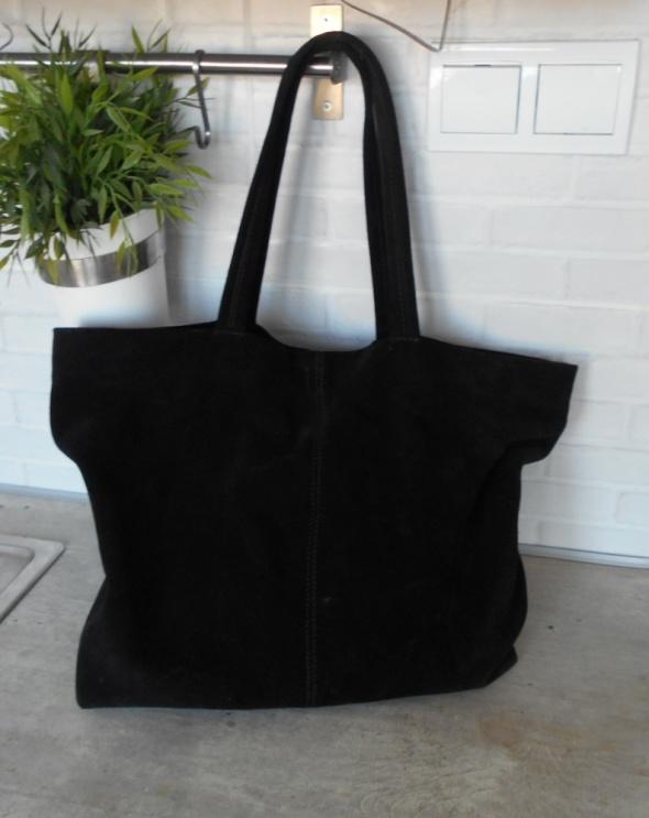 Mango zamszowa czarna torba shopper zamsz naturalny