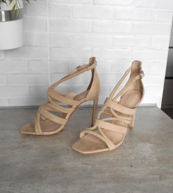 Zara nowe sandały na obcasie nude paski szpilki 37