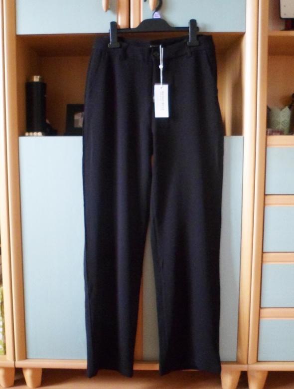 Nowe z metką eleganckie czarne spodnie długie spodnie cygaretki wysoki stan