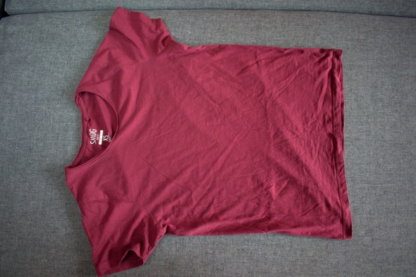 Męska koszulka koloru bordowego