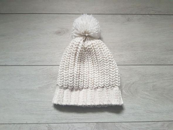 Bershka nowa beżowa kremowa czapka zimowa nigdy nie noszona