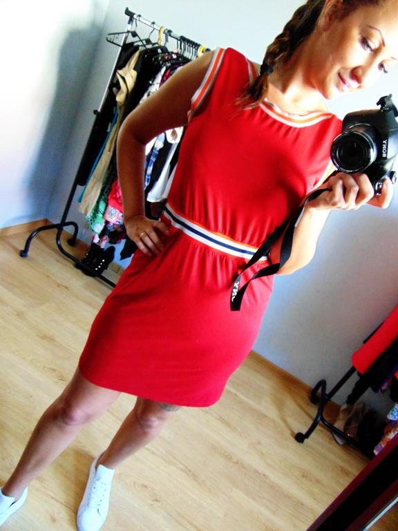 Czerwona sportowa sukienka Fever 38 M