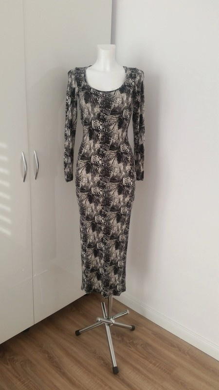 Stylowa dopasowana sukienka H&M blogerska...